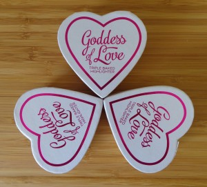 Makeup Revolution: I Heart Makeup - Goddess of Love Triple Baked Highlighters