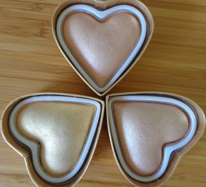 Makeup Revolution: I Heart Makeup - Goddess of Love Triple Baked Highlighters