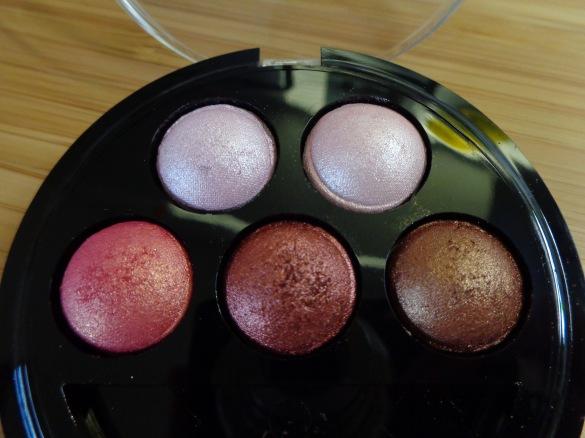 5 Baked Eyeshadows: Chocolate Deluxe