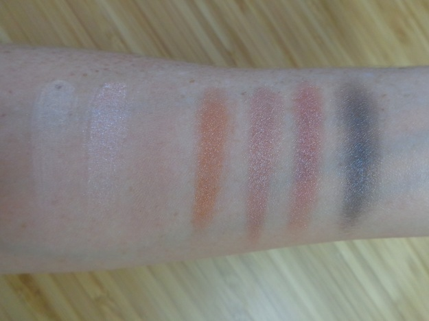 Swatches of the 'Heroine' mini palette.